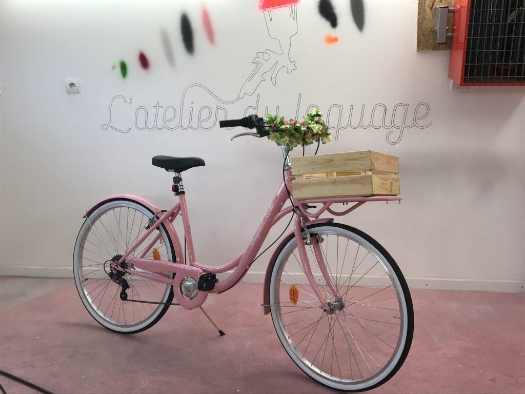 Mise en peinture d'un vélo de société