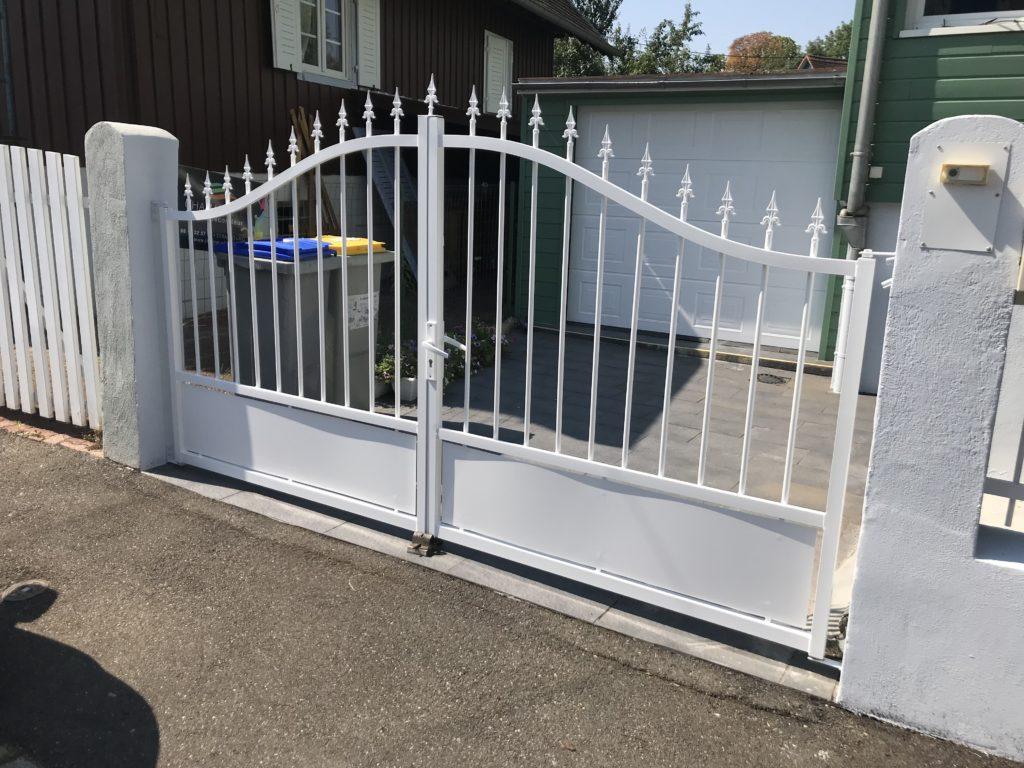 Mise en peinture portail et radiateur